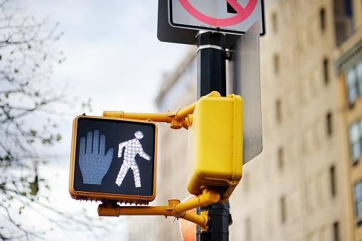 pedestrian_walking_signals
