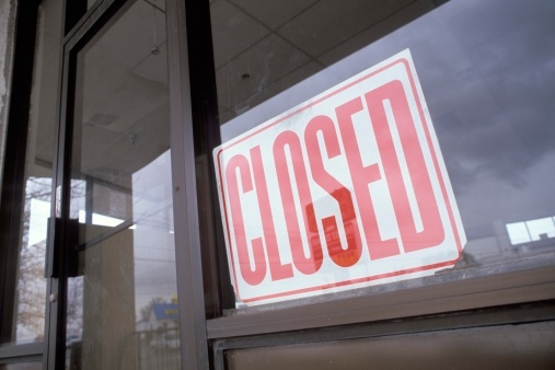 bankrupt_business_with_closed_sign