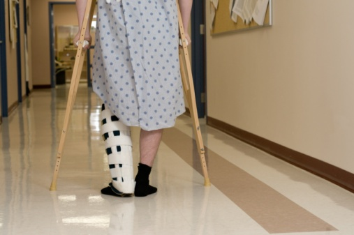 man_in_hospital_on_crutches