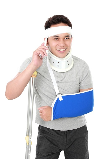 Injured_man_on_phone