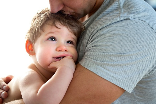 476157284_father_and_baby.jpg