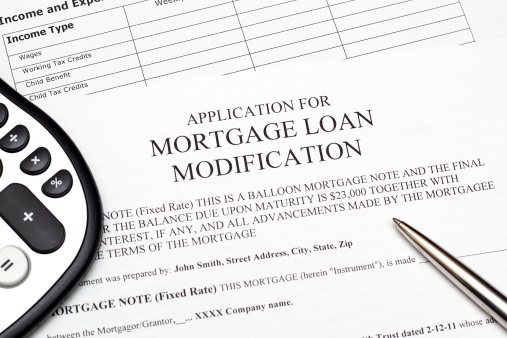 application for mortage loan modification - ThinkstockPhotos-163230138.jpg