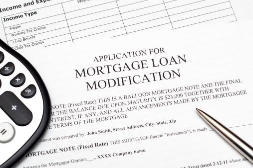 application for mortage loan modification - ThinkstockPhotos-163230138.jpg